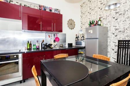 Apartment gf 65m2 near Montmartre
