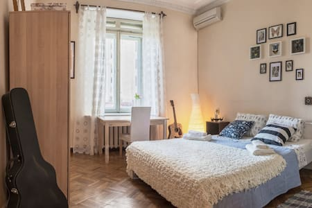 Amazing Room in «Stalin Sister»