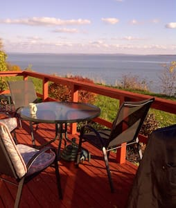Oceanfront Cottage Kingsport Beach - Cabin