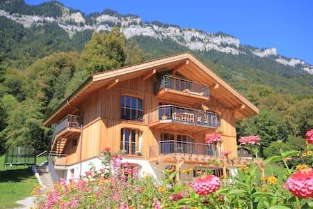 Modernes XL Naturhaus in Traumlage - Rumah