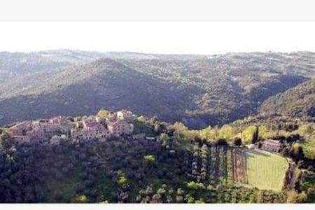 Low Cost Holidays in the Heart of Tuscany! - Appartement