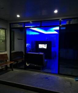 Modern brand new unit studio home..