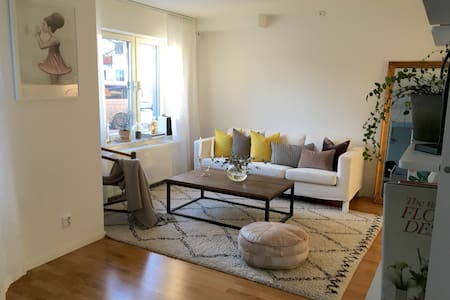 Modern apartment 7 minutes from the city center - Sundbyberg