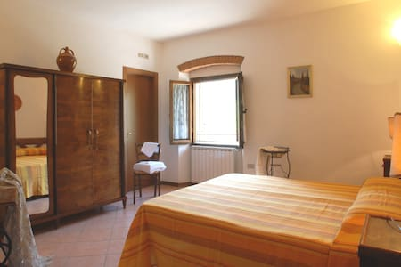 Girasole - Double room in Mugello - Bed & Breakfast