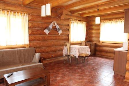 Гуцульский домик - Dům