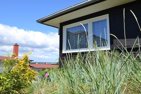 Sommer-Ferienhaus in Binz auf Rügen - Binz - Talo