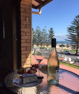 Holiday/relocating to the seaside - Semaphore South