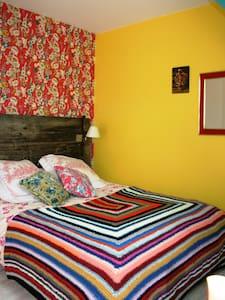 Chambre d'hôtes dans un pressoir - Bed & Breakfast