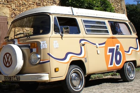 Classic VW 1970's Camper Van - Vilobi de Onyar. Girona - Wóz Kempingowy/RV