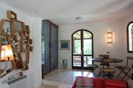 Villa Olivia (or, little jewel!) - Punta Sardegna