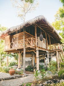 Treetop luxury on private island - Isola