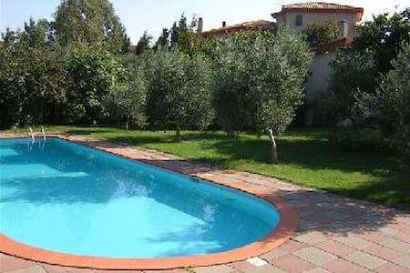 Villa con piscina - Iglesias