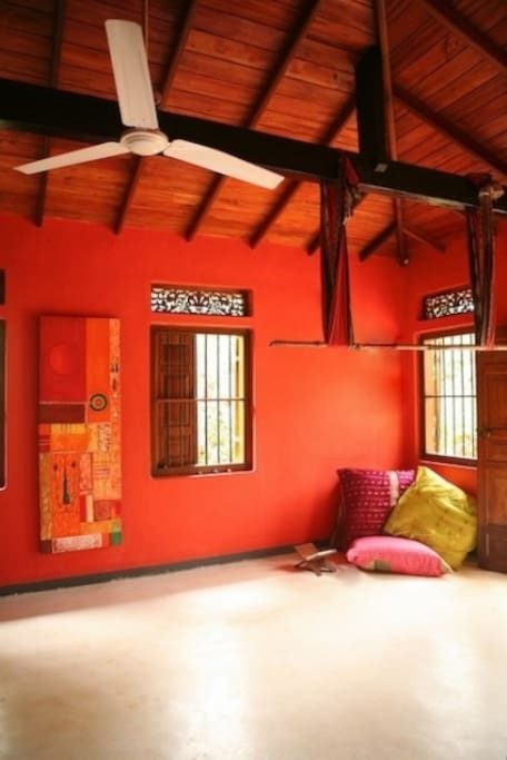 Spacious 'Red' room