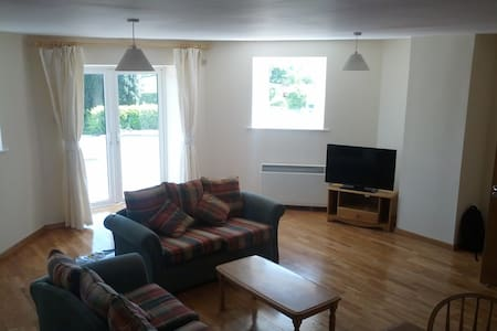 2 Bedroom Ground Floor Apartment - Carrick-On-Shannon - Apartment