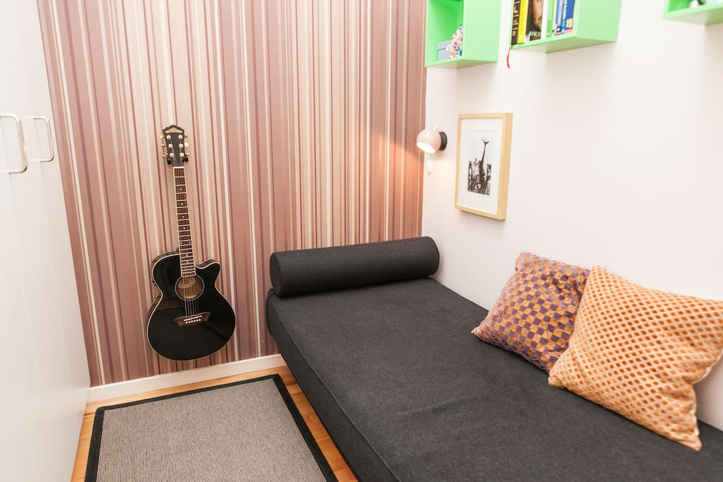 Guest room with comfortable single sofabed for you