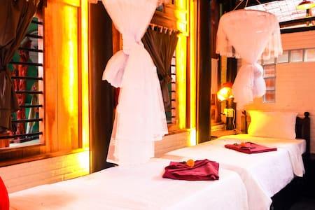 Golden Lantern Homestay bamboo room - Hôi An  - Apartment