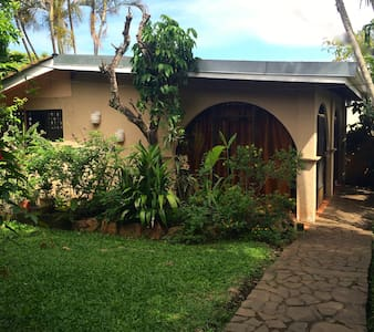 Room type: Entire home/apt Property type: Cabin Accommodates: 3 Bedrooms: 1 Bathrooms: 1
