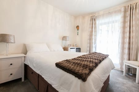 W1 Cosy central room near West End