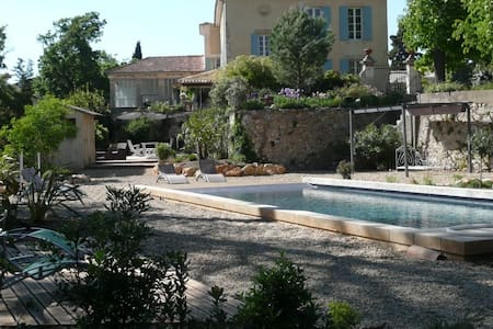 Bastide en Provence (CLAPAREDES) - Apto.