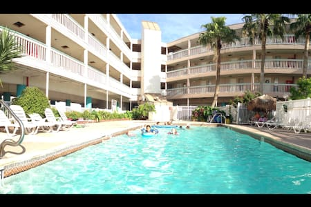1342 FULLY FURNISHED BEACH CONDO - Appartement