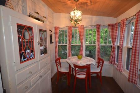 Sunny vintage cottage - Whytewold - Cabane