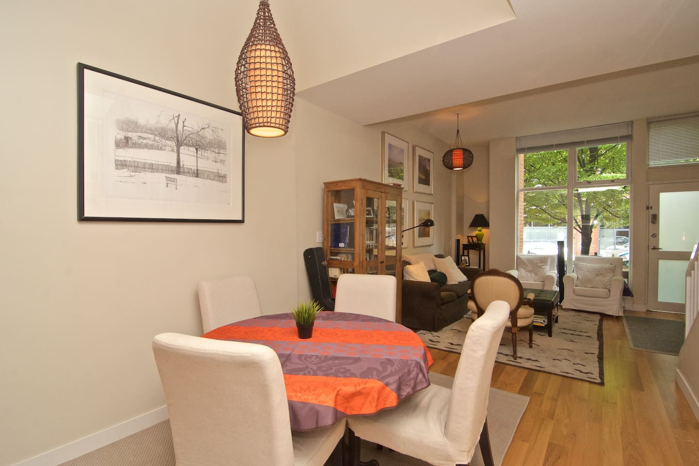 Newly Renovated Luxurious Townhouse