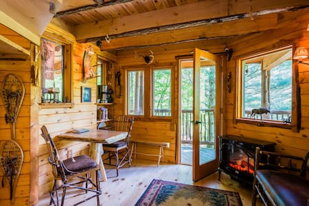 Moose Meadow Lodge - Treehouse