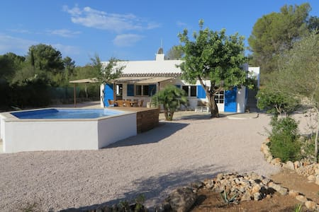 Finca del Bosque, a spacious and quiet finca - Algaida