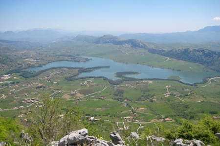 Holiday Lake Piana degli Albanesi - Lejlighed
