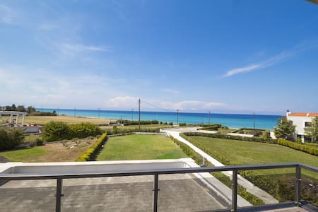 4 BD, Villa, Sea view in Posidi Kassandra - Villa
