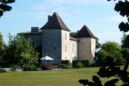 Manoir de Puymangou, Périgord, Aquitaine, France - Schloss