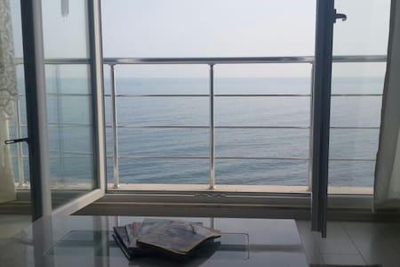 3+1 manzaralı lüks daire özel  plaj - Trabzon - Apartment