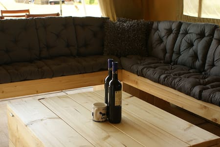 Nieuw!!! luxe Glamping 2/6 pers. - Sátor
