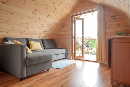 """The Hideaway"" Cosy Self Catering - Boyle - Cabin"