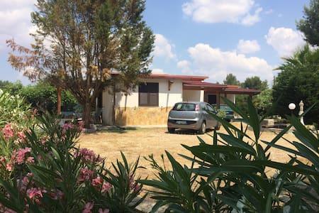 Comfortable retreat in real Puglia! - Casa