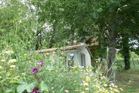 Gîte Studio + cabane perchée - Mansonville - Blockhütte