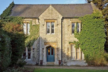 The Manor - Leadenham