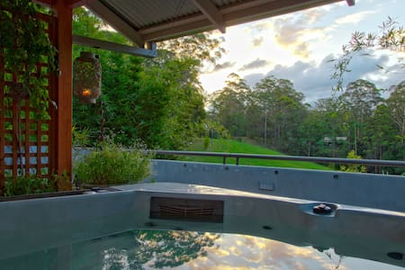 Relaxing spa, private,  quiet. - Valla