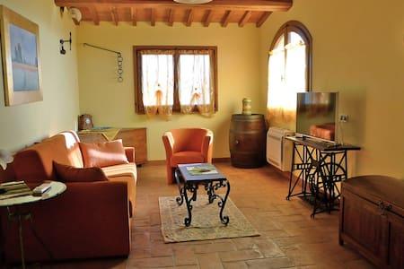 Un poggiarello in Toscana - Haus