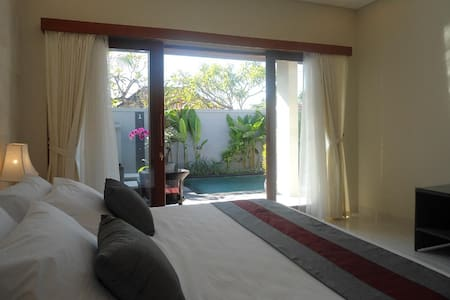 Room type: Entire home/apt Property type: Villa Accommodates: 5 Bedrooms: 2 Bathrooms: 3