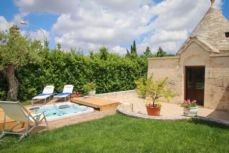VILLA MANGINI con jacuzzi e piscina - Villa