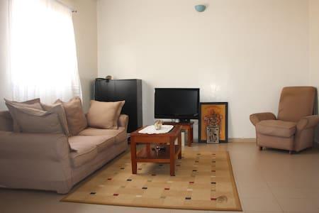 Jolie chambre meublée à Daka - Gästehaus