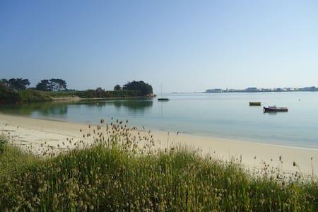 Maison au bord de la plage - House