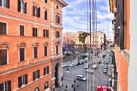 VICTORIA. GLBT, Colosseo.Room shared b/room - Roma - Apartment