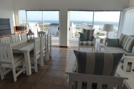 Seaview Villa - 4* Self Catering - Yzerfontein - House