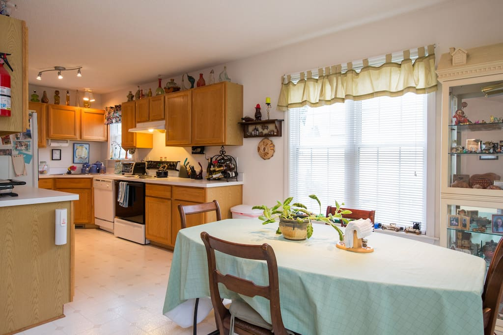 Enjoy full use of the kitchen and dining area.