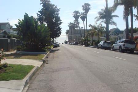 2-room apt in house, 800 sq ft. - Redondo Beach - Byt
