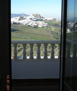 HOUSE WITH NICE VIEW TO OLVERA - Olvera - Casa