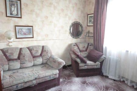 3-комнат. квартира рядом с центром - Sankt-Peterburg