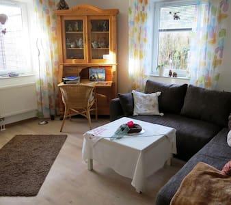 Ferienwohnung mit Terrasse - Pis